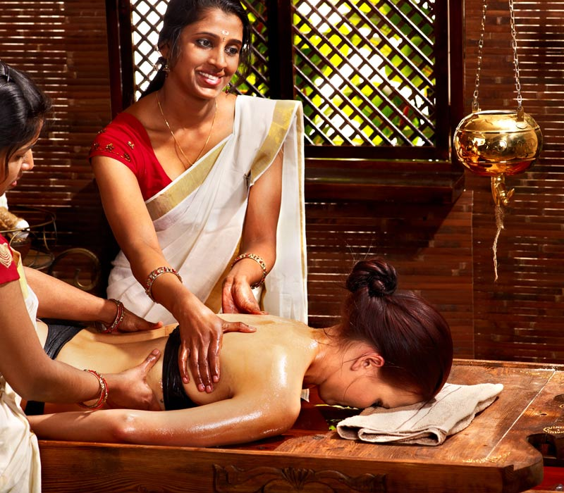 Back Massage Duration 30 minutes Some massage clinics and spas offer 30-minute back massages. If a back massage is not expressly advertised, you can also book a 30 minute massage and ask that the massage therapist to focus on your back.  MORE: Massage for Neck and Back Pain