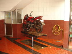Two Wheeler Washing Lift
