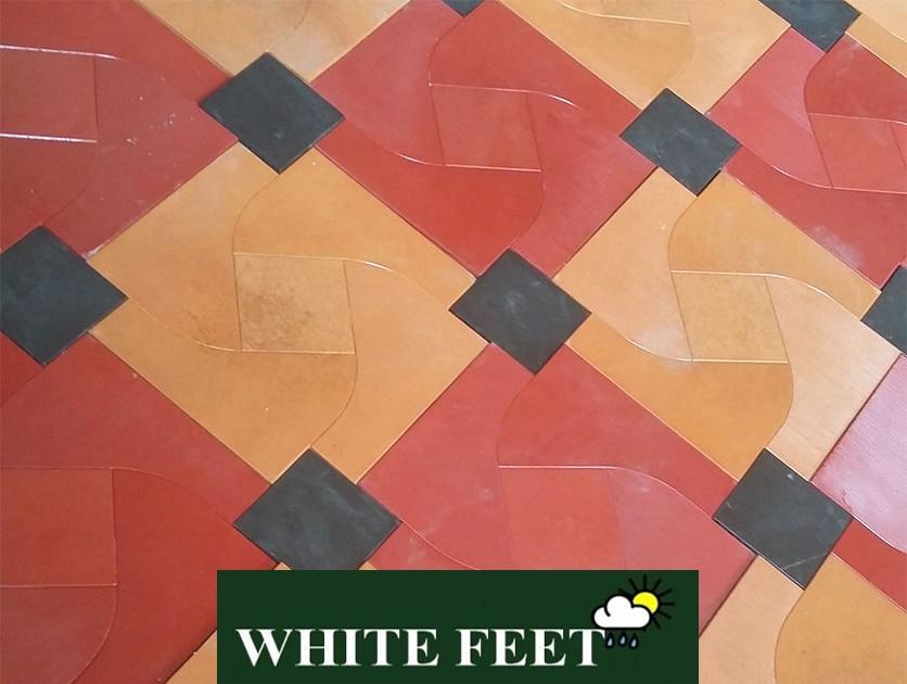 WHITE FEET - Portico