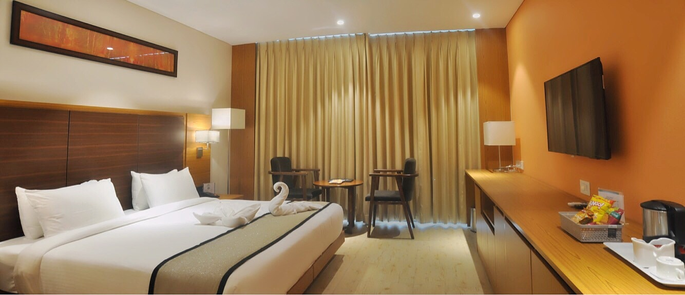 Book Rooms of Grand Tamanna Hotel with Complimentary Breakfast at just Rs 3500 for Single & Rs 4000 for Double plus taxes as applicable.