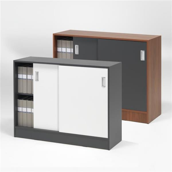 Cabinet with sliding doors: 2/3 shelves