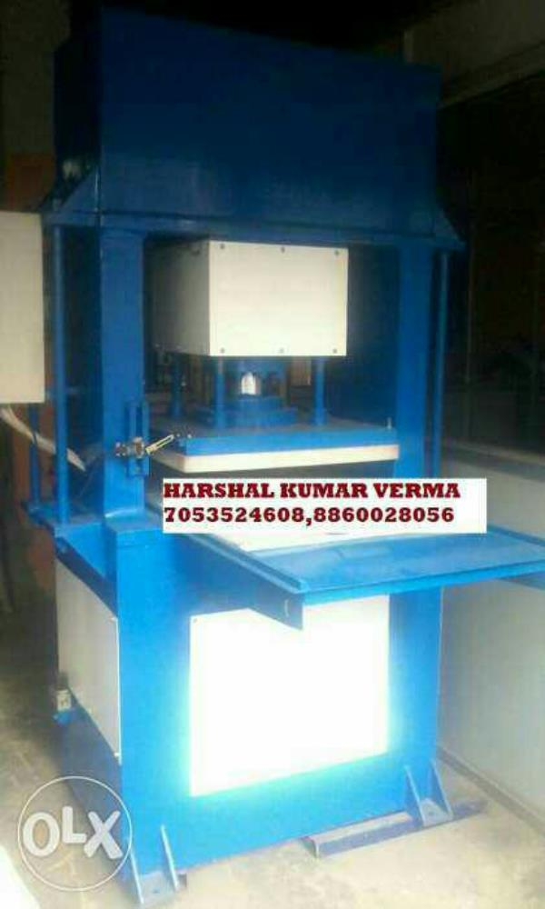 Automatic vacuume forming machine