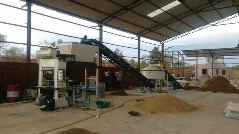 Flyash bricks making automatic machine