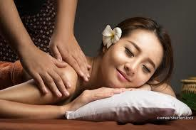 TRADITIONAL THAI MASSAGE - (60/90 MINUTES)