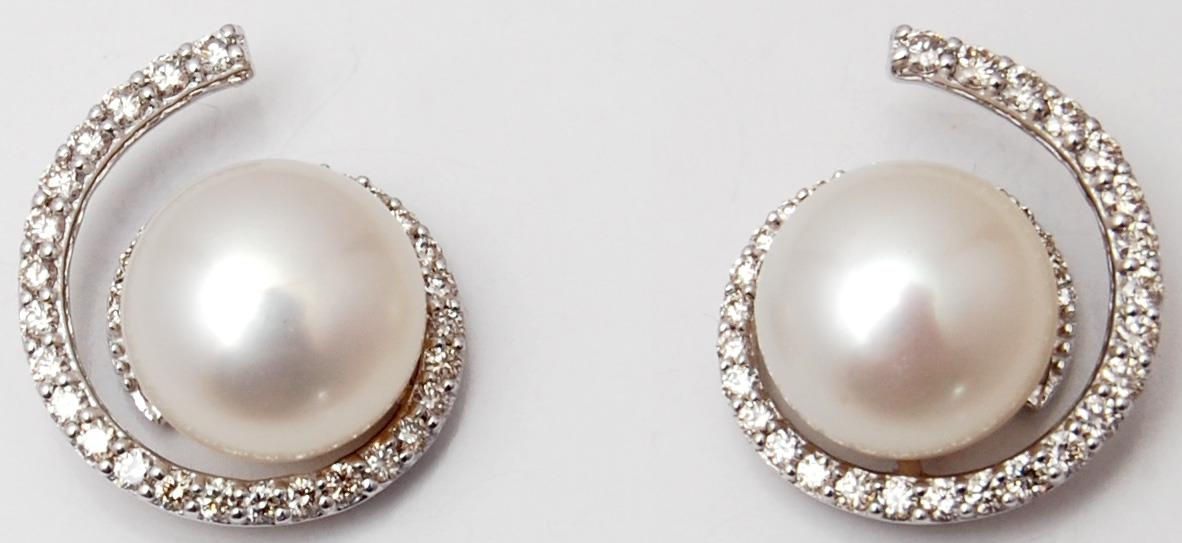 Twisted Designer White Gold Pearl Earrings On Sale