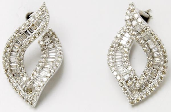 Beautiful Wavy Leaf Pattern Baguette Diamond Party Earrings