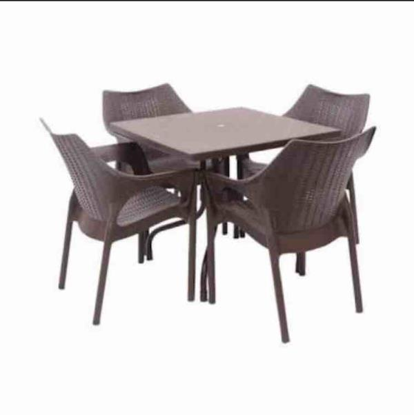 Olive table with chairs