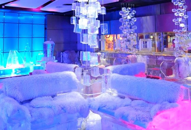Tour to Chill Out Ice Lounge in Dubai.
