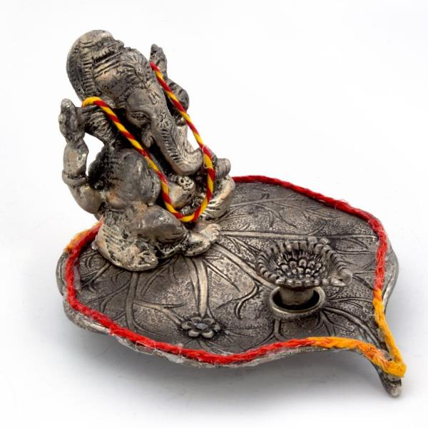 Lord Ganesha Pretty Pooja Idol in White Metal 308