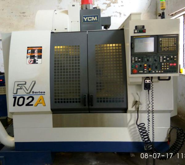 YCM SUPERMAX VMC MACHINE