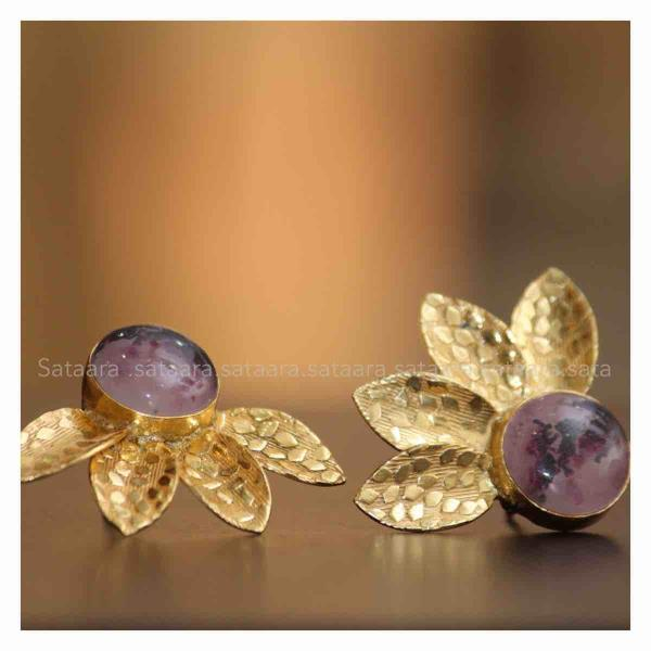 Flower studs earrings