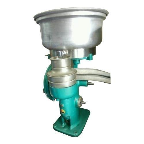 We are offering Hand Crank Cream Separator to our clients.