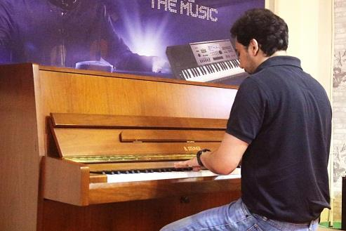 Piano one year Graded course From ABRSM,LONDON.