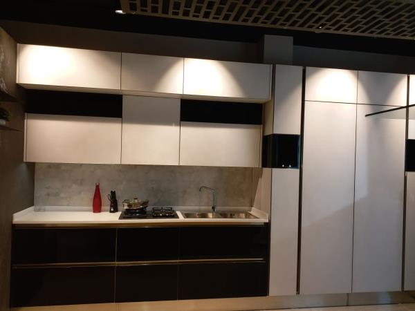 Black & White Glass Kitchen