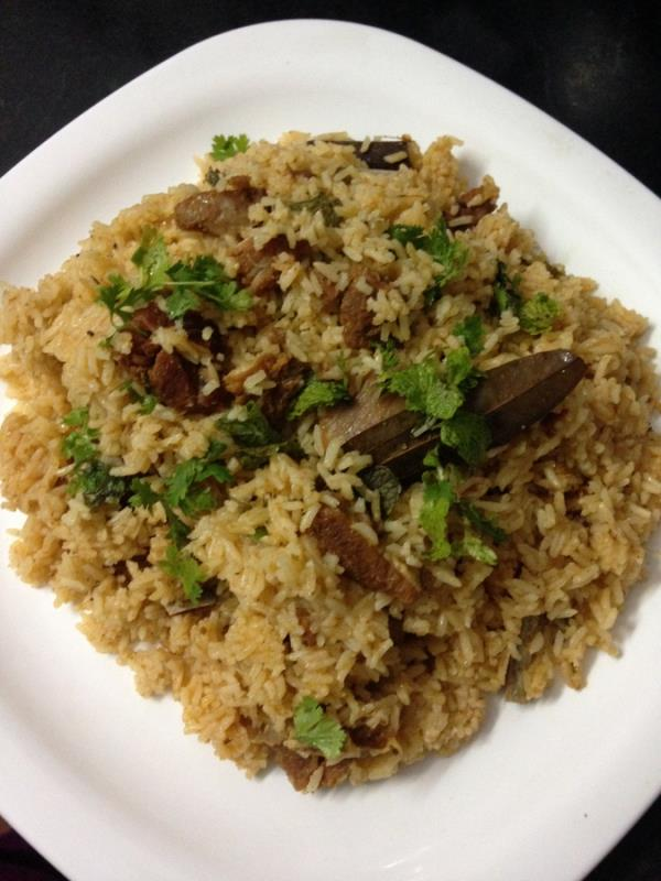 The taste of the recipe is so delicious and yummy that one would eat this pulao very often. Very fresh and red meat to make mutton pulao as choosing the right meat makes a lot of difference to the pulao.
