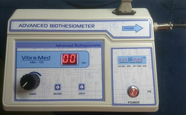 Biothesiometer helps us quantitate the threshold and monitor progressive changes or trends on following up testing.Features:•	Compact design with PC connection•	Easy tool to quantify neuropathy•	Digital 0-50 Volts indicator •	Light Weight Unit •	User Friendly Remote key on probe transfers the data to PC•	Vibration Check key to confirm result•	PC Software For Data Storage & Transmission•	Over load Indicator Alarm•	High Accuracy•	Alarm when probe not connected•	220V, AC, 50Hz Mains operation•	AC Cord for USA and other countries Standard Accessories :Main Unit :01 No.Probe :01 No.USB: 01 No.AC Cord for USA and other countries provided :01 No.Instruction Manual :01 No.