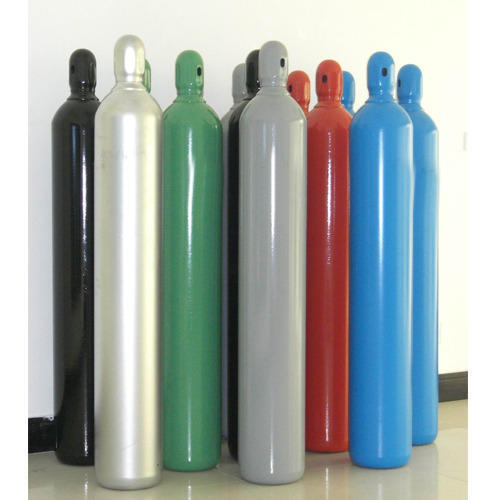 Product Details: Working Pressure - 150-200 Bar Test Pressure - 250-300 Bar Volume - 10-68 L Weight - 10-78 kg  With the help of huge framework, we are engaged with offering very requested Carbon Dioxide Gas. The gas is for the most part utilized in the sustenance business for carbonated beverages, stockpiling and for the creation of dry ice. We lead a progression of test on the gas to meet the FDA prerequisites. Further, we bargain in an extensive variety of fixations including fluid and gas that can be requested at a main cost.   Highlights:   Free from pollutions   Exact creation   Watertight barrels   Durable bundling