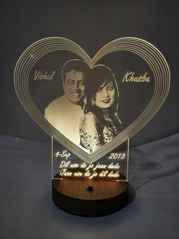 DESIGNELLE Personalise Heart photo 3D Illusion LED Lamp For Wishing Couple Anniversary, H Birthday, Couple Name with Single/Couple Photo Multicolour with Remote Control