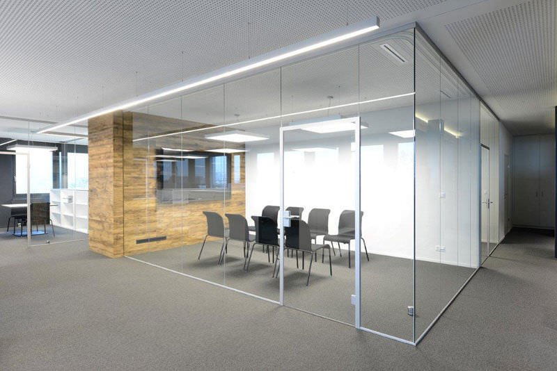Product Details:BrandRoyalThickness10 to 25 mmWidth15 to 25 InchesOur company holds vast experience in this domain and is involved in offering Sound Proof Glass.