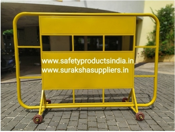 Size: 4FeetH*6FeetLMaterial: MSColour: Powder coated YellowNumber of Wheel: 4 NosMiddle Sign Board Size: 2FeetH*4FeetLAdditional Charges for Text and signages
